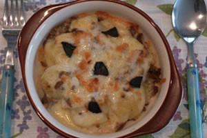 黒にんにくのポテトチーズ焼き
