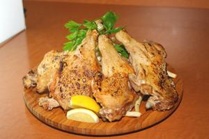 鶏肉の場合0.1g(レバーでも0.3g、牛、豚よりも低い)