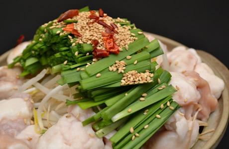 【スタミナ回復】疲労回復に良い「ニラ」は、細かく切って加熱するとピロリ菌を抑制・殺菌する効果が!胃がん予防にもなる野菜