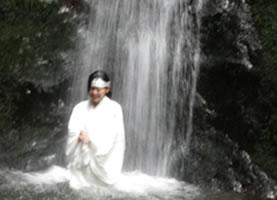 静山荘での滝行