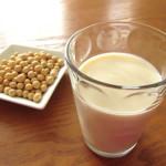 【無調整豆乳】女性が豆乳を飲みすぎると生理不順の原因に!適量を知ってダイエット効果を発揮しながら健康に過ごす方法