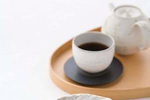 黒豆茶は大豆イソフラボンとアントシアニンが豊富