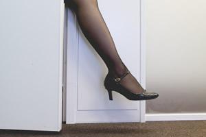 血行の改善、むくみや冷え性の解消し美脚効果のある貧乏ゆすり