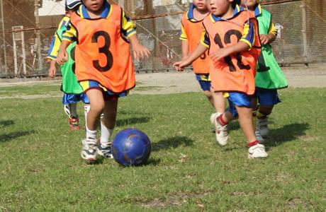 【3歳教育】子供の運動神経を伸ばす方法!3歳までトレーニングで鍛える「嫌がるスポーツは無理に続けさせない、才能の見つけ方」