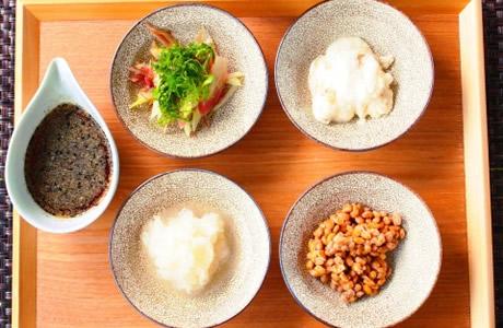 納豆レシピで腸内活性!納豆の効果「キムチ」や「アボガド」で腸内の大掃除