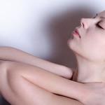 【スマホ病】ストレートネックの症状と治し方!首痛や肩こりは頭痛やめまいの原因、現代病ストレートネックの原因を探る