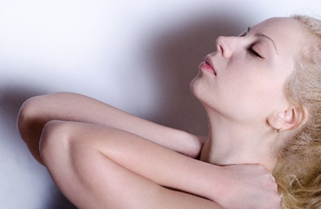 スマホ病、ストレートネックの症状と治し方