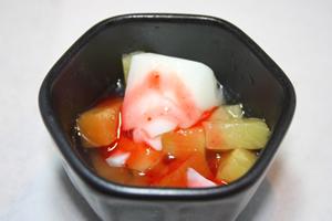 ゼリーやプリンがおすすめ、フルーツ杏仁豆腐はなおよし!