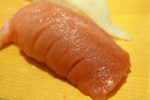 子供が好きなお寿司の中トロ