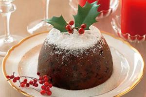 イギリスのクリスマス料理「伝統的なケーキはクリスマス・ブティング」