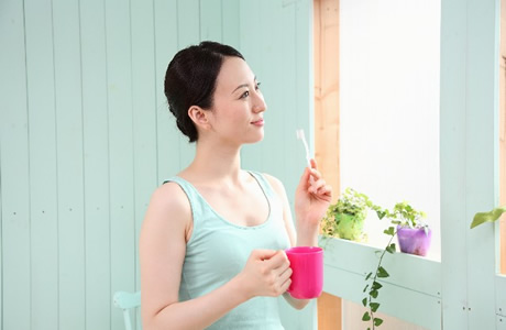 【虫歯/オーラルケア】大人・子供の正しい歯磨きのすすぎ回数は1回!?歯磨き粉の味がなくなるまで、口をすすぐのは虫歯の原因「誰も教えてくれない歯磨き講座」