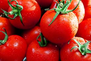 トマトの赤い成分リコピンはシミに効果