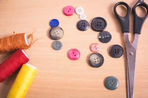 ちょっとした裁縫やボタン付けがデキる女子