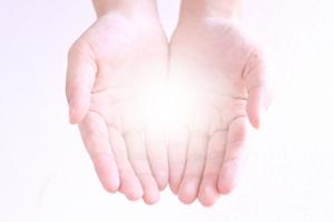 蜜柑を食べ過ぎると手が黄色くなる柑皮症(かんぴしょう)の原因&理由