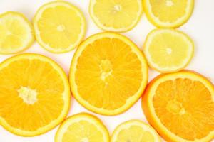 クエン酸を多く含む食べ物③「オレンジ(1個2g)、みかん(1個1g)