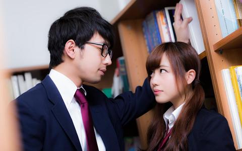【中学生&高校生が、好きな人にとる行動】男子と女子の恋愛心理学「中学生・高校生の片思いあるあるの決定版!恋する男子の好き好き合図」