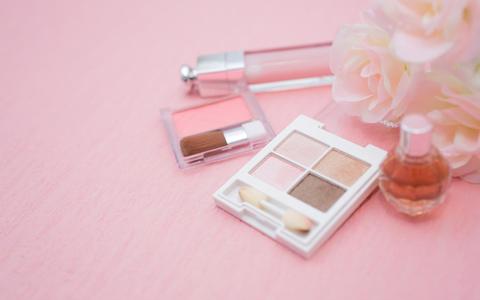 化粧品の使用期限と消費期限の一覧