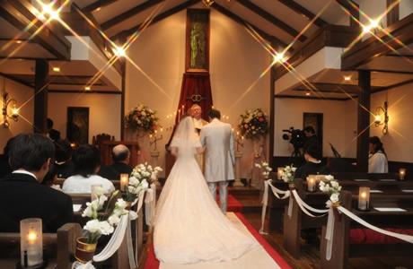 【ご祝儀/結婚祝い】親友・友達へのご祝儀相場・平均金額「友達関係を考えた理想の結婚式&本音の結婚祝いランキング、友情を壊さない結婚式の方法」