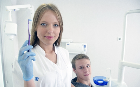 歯茎の症状から病気をセルフチェックする方法