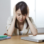 【頭痛/病気/症状/セルフチェック】吐き気、めまい、発熱の激しい頭痛は病気?「頭痛の症状から簡易的に病気をセルフチェックする方法」