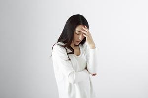 繰り返される頭痛、だんだんと痛みが強くなり、吐き気がする頭痛⇒脳腫瘍の可能性