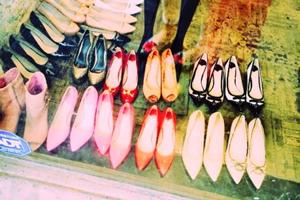 同じブランドの靴でも、痛くならないパンプスやヒールがあるのは何故?
