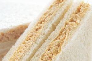 ツナマヨのサンドイッチ