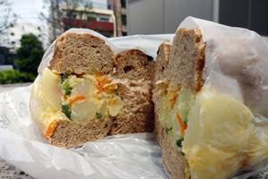 ポテトサラダのサンドイッチ