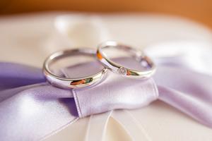結婚は指輪がいつか首輪に変わるの