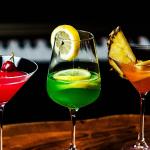 【カクテル/サワー/糖質】居酒屋やBARで飲む低糖質・高糖質なカクテル・サワー特集「カロリー&糖質の太らないお酒の飲み方」カシス・オレンジ、カルーアミルク、カシスソーダ、ファジーネーブル、カンパリオレンジ