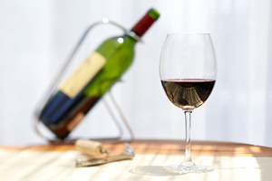 赤ワイン、白ワイン。糖質0g、赤ワインで糖質1.5g、白ワインで糖質2.0g