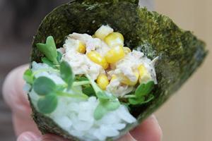 子供の好きな手巻き寿司「コーン、トウモロコシ」
