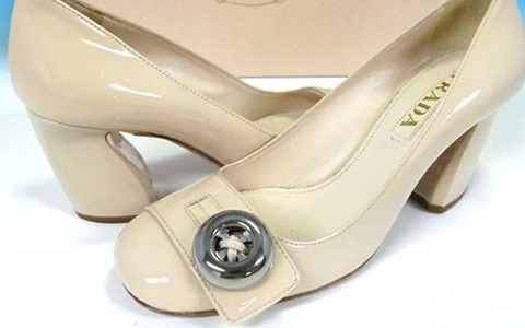 イタリア製のレディース、服・靴の日本サイズ表