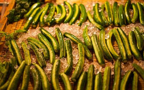 【簡単/きゅうり料理】夏野菜の大量消費!人気のおかずレシピ、定番の献立アレンジ集「塩分を排出するカリウム、脚のむくみや便秘解消に強い料理」