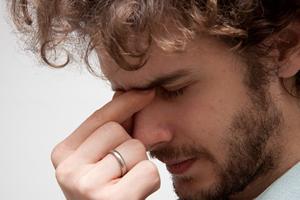 まぶたが腫れる、痛い、目やに、涙が出る⇒結膜炎の可能性