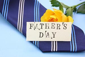 お父さんのプレゼント・ギフト代はいくら?2016年!父の日のプレゼント平均予算と値段相場の調査結果