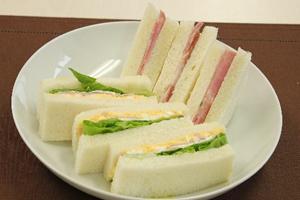サンドイッチの糖質とカロリー計算と炭水化物ダイエット