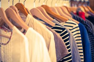 服に匂いが染み込むのを防止、約6時間で雑菌が増殖