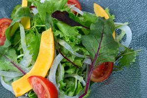 臭いニオイの成分の原因は肉料理。野菜中心の食生活
