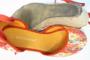 アメリカ製の靴(ブーツ、パンプス、ヒール、スニーカーなど)の場合