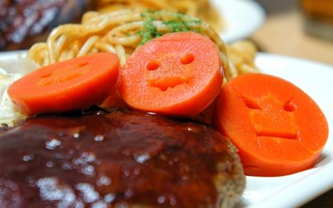 簡単!定番人気の手作りハンバーグに合う!付け合わせ料理ランキング