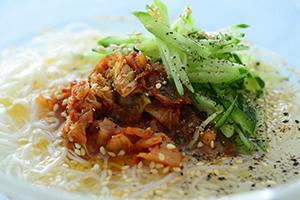 そうめんで作る韓国風冷麺