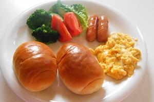 ロールパンに挟む具材、好きな中身、簡単・人気の朝食とお弁当レシピ