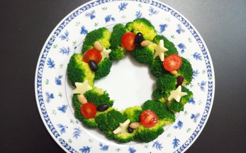 クリスマスのリースサラダとツリー・サラダ、手作り料理を解説
