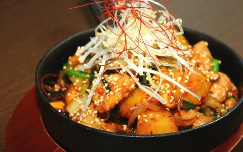 夏や冬に食べたい激旨なピリ辛料理&おかず特集