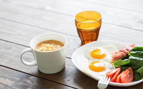 夜に食べ過ぎ防止!食べ過ぎない方法と腹八分目の生活