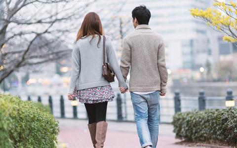 女性から男性をデートに誘う方法、成功するデートの誘い方