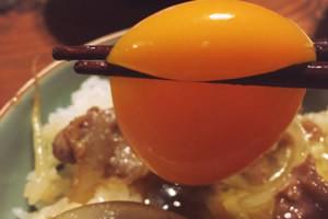 生卵や温泉卵をトッピング