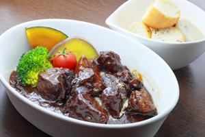 固いブロック肉やパサパサになる豚肉を、柔らかくする方法!簡単・人気の圧力鍋で作る煮魚の献立