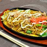【焼きそば/付け合わせ、おかず&献立】関西&関東の焼きそばに合う料理と副菜、人気・定番・簡単・おかずレシピは?「焼きそば、基本の献立は、ご飯と味噌汁!?炭水化物に炭水化物でいいの?」